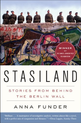 Stasiland: Stories from Behind the Berlin Wall 9780062077325