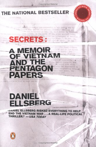 Secrets: A Memoir of Vietnam and the Pentagon Papers 9780142003428