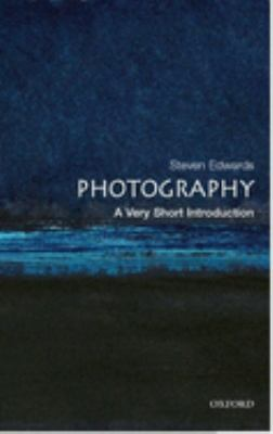 Photography: A Very Short Introduction 9780192801647