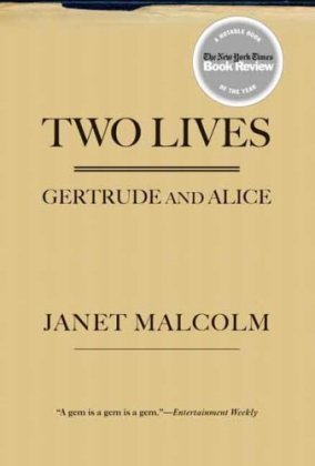 Two Lives: Gertrude and Alice 9780300143102