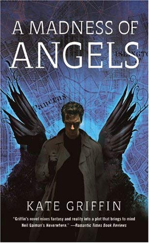 A Madness of Angels: Or, the Resurrection of Matthew Swift 9780316068598
