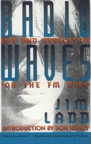 Radio Waves: Life and Revolution on the FM Dial 9780312077860