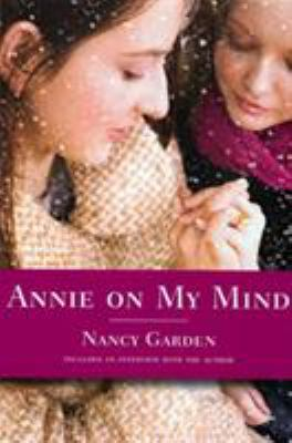 Annie on My Mind 9780374400118