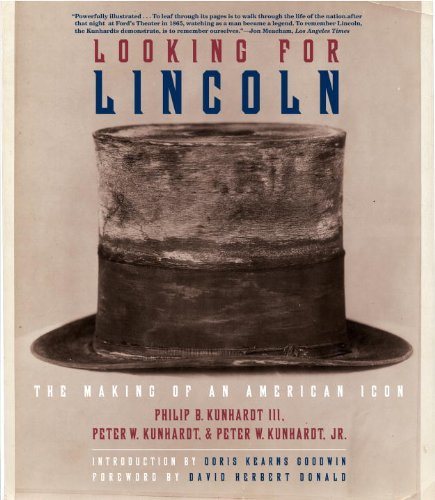 Looking for Lincoln: The Making of an American Icon 9780375712142