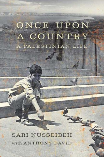 Once Upon a Country: A Palestinian Life 9780374299507