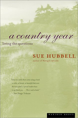 A Country Year: Living the Questions 9780395967010