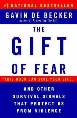 The Gift of Fear: Survival Signals That Protect Us from Violence 9780440508830
