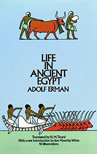 Life in Ancient Egypt 9780486226323