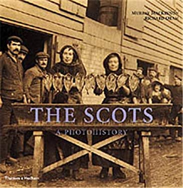 The Scots: A Photohistory 9780500511350