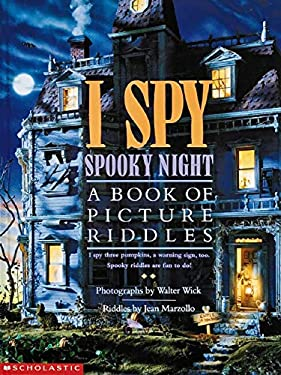 I Spy Spooky Night: A Book of Picture Riddles 9780590481373