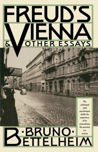 Freud's Vienna and Other Essays 9780679731887