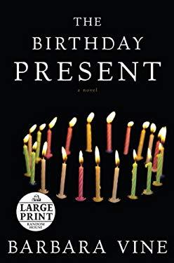 The Birthday Present: A Novel (Random House Large Print) 9780739328378
