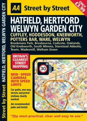 AA Street by Street: Hatfield, Hertford, Welwyn Garden City 9780749558086