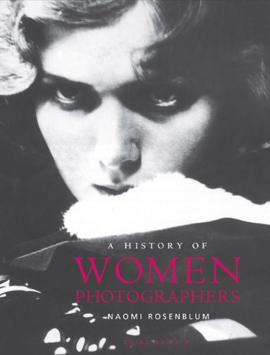 A History of Women Photographers 9780789209986