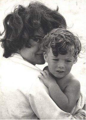 The John F. Kennedys: A Family Album 9780789310262