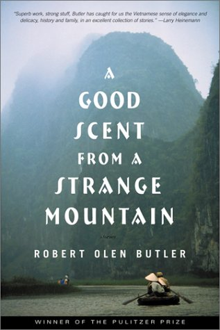 A Good Scent from a Strange Mountain: Stories 9780802137982