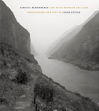 Yangtze Remembered: The River Beneath the Lake 9780804747547