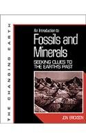 An Introduction to Fossils and Minerals: Clues to the Earth's Past 9780816025879