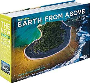 The New Earth from Above: 365 Days 9780810984615
