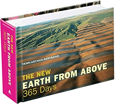 The New Earth from Above: 365 Days 9780810992917