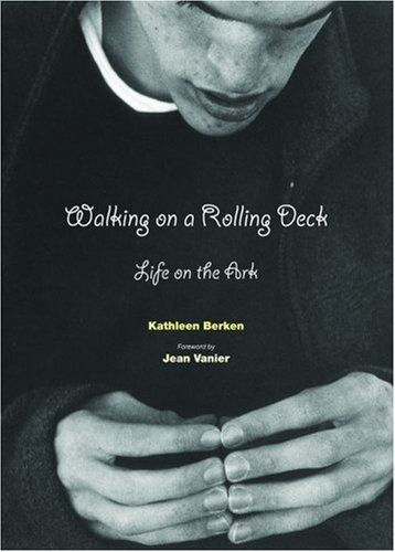 Walking on a Rolling Deck: Life on the Ark 9780814618615