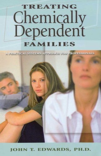 Treating Chemically Dependent Families: A Practical Systems Approach for Professionals 9780935908565
