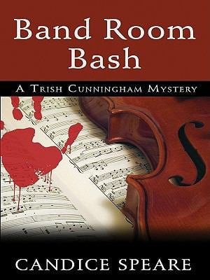 Band Room Bash: A Romantic Mystery 9781410421395
