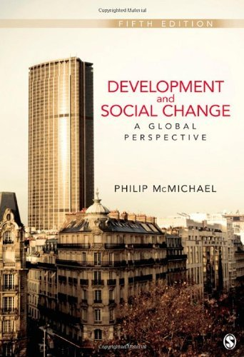 Development and Social Change: A Global Perspective 9781412992077