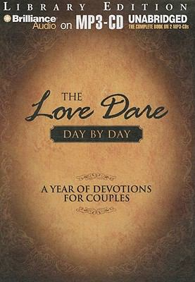 The Love Dare Day by Day: A Year of Devotions for Couples 9781441893277
