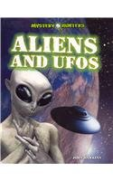 Aliens and UFOs 9781448864379