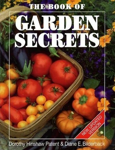 Book of Garden Secrets 9781552091043