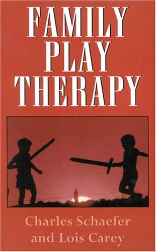 Family Play Therapy 9781568211503