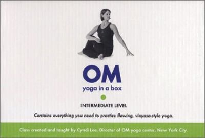 Om Yoga in a Box: Intermediate [With Instruction Booklet and Cards and Yoga Belt, Candle, Incense, Incense Holder] 9781561709724