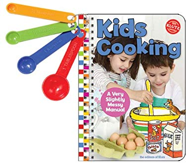 Kids Cooking: A Very Slightly Messy Manual [With Measuring Spoons] 9781591748991