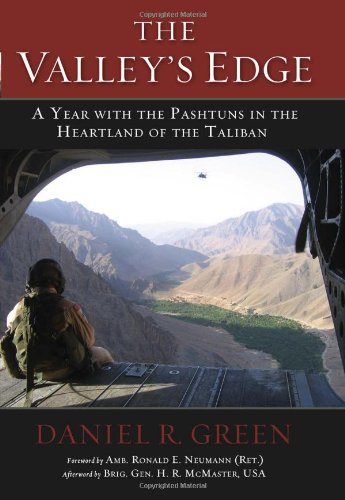 The Valley's Edge: A Year with the Pashtuns in the Heartland of the Taliban 9781597976947