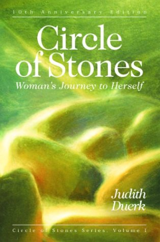 Circle of Stones: Woman's Journey to Herself 9781880913369