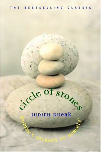 Circle of Stones: Woman's Journey to Herself 9781880913635
