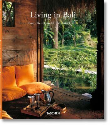 Living in Bali 9783836531689