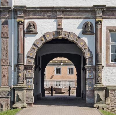 Schlosser der Weserreanissance/Castles Of The Weser Renaissance 9783936681239